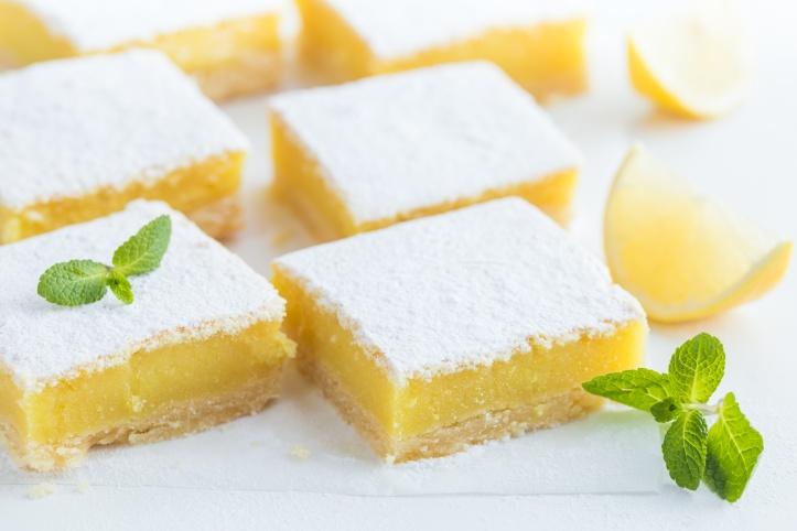 freshly baked lemon bars