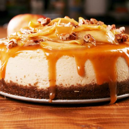Caramel Apple Cheesecake with Gingersnap Crust