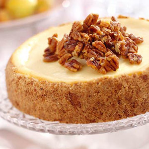 Praline Cheesecake with Pecan Shortbread Crust | Loree the Domestic ...